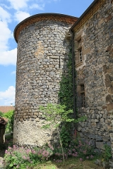 Prieuré-Château - English: Saint-Arcons-d'Allier (France). Fortified priory. Facade on the Allier River side. Tower.