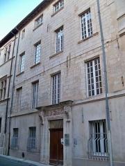 Tombeau du général anglais Mac Haren - immeuble du 7 de la rue 7 Dorée à Avignon, Vaucluse, France