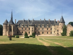 Château de La Palice (également sur commune de Saint-Prix) - This building is indexed in the base Mérimée, a database of architectural heritage maintained by the French Ministry of Culture,under the reference PA00093132 .