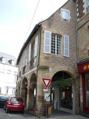 Bâtiment dit les anciennes Halles - English: Ancient Halles Moulins