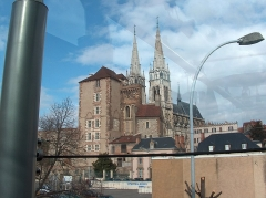 Cathédrale Notre-Dame - This building is indexed in the Base Mérimée, a database of architectural heritage maintained by the French Ministry of Culture,under the reference PA00093188 .