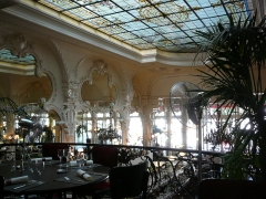 Grand Café - English: Grand Café Moulins second floor left view