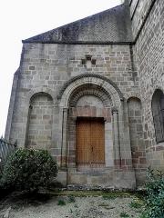Prieuré bénédictin de Souvigny - Extérieur de la prieurale Saint-Pierre et Saint-Paule de Souvigny (03).