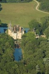 Château d'Avrilly - Français:   Le château d\'Avrilly à Trévol, Allier, France.