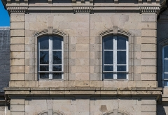 Gendarmerie - English:   Windows of the building of the gendarmerie in Aurillac, Cantal, France