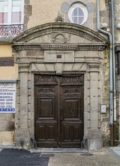 Maison - English: Portal of the building at 10 rue du Consulat in Aurillac, Cantal, France