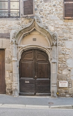 Maison Capelle - English: Portal of the Hôtel Capel at 20 rue Vernemouze in Aurillac, Cantal, France