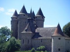 Château de Val et ses dépendances - Château de Val, Lanobre, Cantal, France