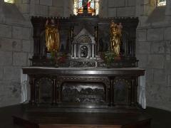 Eglise Saint-Jacques-le-Majeur - L'autel de l'église Saint-Jacques-le-Majeur, Lanobre, Cantal, France.