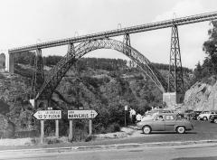 Viaduc de Garabit (également sur commune de Ruynes-en-Margeride) - Viaduc de Garabit, Cantal, 1962