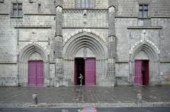 Cathédrale Saint-Pierre - Cathédrale Saint-Pierre, Saint-Flour, 2014.