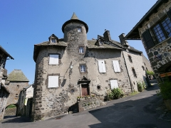 Maison Bertrandy - This building is indexed in the Base Mérimée, a database of architectural heritage maintained by the French Ministry of Culture,under the reference PA00093678 .