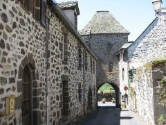 Porte Martille - Français:   Salers, porte Martille