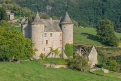 Château - English: Château de Réghaud in Sénezergues, Cantal, France