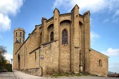 Eglise du Saint-Sacrement -  Laroque_d\'Olmes; Ariège (Midi-Pyrénées) - Vue 3/4 du chevet de l\'église du Saint-Sacrement