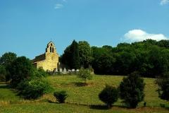 Eglise Saint-Michel - Français:   Église Saint-Pierre (XIIe s.).  Montgauch est un village du Couserans proche de Saint-Girons. Située hors du village, son église romane est juchée sur une colline.