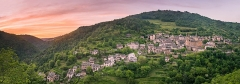 Ancienne abbaye Sainte-Foy - English: Panoramic view of the sunset in Conques, Aveyron, France