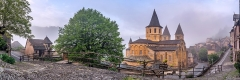 Ancienne abbaye Sainte-Foy - English: Saint Faith Abbey Church of Conques, Aveyron, France       This place is a UNESCO World Heritage Site, listed as Chemins de Saint-Jacques-de-Compostelle en France.  العربية| Asturianu| Беларуская| Беларуская (тарашкевіца)| বাংলা| Català| Čeština| Dansk| Deutsch| English| Español| Euskara| فارسی| Français| עברית| Hrvatski| Magyar| Italiano| 日本語| 한국어| Latviešu| Македонски| മലയാളം| مازِرونی| Nederlands| Polski| Português| Русский| Slovenčina| Slovenščina| Türkçe| Українська| Tagalog| Tiếng Việt| 中文(简体)| 中文(繁體)| +/−        This building is indexed in the Base Mérimée, a database of architectural heritage maintained by the French Ministry of Culture,under the reference PA00093999 .  বাংলা| brezhoneg| català| Deutsch| Ελληνικά| English| Esperanto| español| euskara| suomi| français| magyar| italiano| 日本語| македонски| Nederlands| português| português do Brasil| română| русский| sicilianu| svenska| українська| +/−        NOTE: This image is a panorama  consisting of 6 frames that were merged or stitched in Adobe Lightroom. As a result, this image necessarily underwent some form of digital manipulation. These manipulations may include blending, blurring, cloning, and color and perspective adjustments. As a result of these adjustments, the image content may be slightly different than reality at the points where multiple images were combined. This manipulation is often required due to lens, perspective, and parallax distortions.  Boarisch| Български| Dansk| Deutsch| Zazaki| Ελληνικά| English| Esperanto| Español| Eesti| Suomi| Français| Hrvatski| Magyar| Italiano| 日本語| 한국어| Македонски| മലയാളം| Nederlands| Polski| Português| Русский| Slovenščina| Svenska| Türkçe| 中文| Українська| +/−
