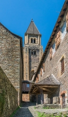 Ancienne abbaye Sainte-Foy - English: View on Saint Faith Abbey Church of Conques, Aveyron, France        This place is a UNESCO World Heritage Site, listed as Chemins de Saint-Jacques-de-Compostelle en France.  العربية | Asturianu | Беларуская | Беларуская (тарашкевіца) | বাংলা | Català | Čeština | Dansk | Deutsch | English | Español | Euskara | فارسی | Français | עברית | Hrvatski | Magyar | Italiano | 日本語 | 한국어 | Latviešu | Македонски | മലയാളം | مازِرونی | Nederlands | Polski | Português | Русский | Slovenčina | Slovenščina | Türkçe | Українська | Tagalog | Tiếng Việt | 中文(简体) | 中文(繁體) | +/−          This building is classé au titre des Monuments Historiques. It is indexed in the Base Mérimée, a database of architectural heritage maintained by the French Ministry of Culture, under the reference PA00093999 .  বাংলা | brezhoneg | català | Deutsch | Ελληνικά | English | Esperanto | español | euskara | suomi | français | magyar | italiano | 日本語 | македонски | Nederlands | português | português do Brasil | română | русский | sicilianu | svenska | українська | +/−