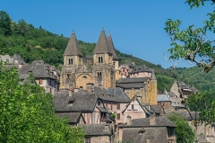 Ancienne abbaye Sainte-Foy - English: View of Saint Faith Abbey Church of Conques, Aveyron, France        This place is a UNESCO World Heritage Site, listed as Chemins de Saint-Jacques-de-Compostelle en France.  العربية | Asturianu | Беларуская | Беларуская (тарашкевіца) | বাংলা | Català | Čeština | Dansk | Deutsch | English | Español | Euskara | فارسی | Français | עברית | Hrvatski | Magyar | Italiano | 日本語 | 한국어 | Latviešu | Македонски | മലയാളം | مازِرونی | Nederlands | Polski | Português | Русский | Slovenčina | Slovenščina | Türkçe | Українська | Tagalog | Tiếng Việt | 中文(简体) | 中文(繁體) | +/−          This building is classé au titre des Monuments Historiques. It is indexed in the Base Mérimée, a database of architectural heritage maintained by the French Ministry of Culture, under the reference PA00093999 .  বাংলা | brezhoneg | català | Deutsch | Ελληνικά | English | Esperanto | español | euskara | suomi | français | magyar | italiano | 日本語 | македонски | Nederlands | português | português do Brasil | română | русский | sicilianu | svenska | українська | +/−