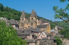 Ancienne abbaye Sainte-Foy - English: View of Saint Faith Abbey Church of Conques, Aveyron, France       This place is a UNESCO World Heritage Site, listed as Chemins de Saint-Jacques-de-Compostelle en France.  العربية| Asturianu| Беларуская| Беларуская (тарашкевіца)| বাংলা| Català| Čeština| Dansk| Deutsch| English| Español| Euskara| فارسی| Français| עברית| Hrvatski| Magyar| Italiano| 日本語| 한국어| Latviešu| Македонски| മലയാളം| مازِرونی| Nederlands| Polski| Português| Русский| Slovenčina| Slovenščina| Türkçe| Українська| Tagalog| Tiếng Việt| 中文(简体)| 中文(繁體)| +/−         This building is classé au titre des Monuments Historiques. It is indexed in the Base Mérimée, a database of architectural heritage maintained by the French Ministry of Culture,under the reference PA00093999 .  বাংলা| brezhoneg| català| Deutsch| Ελληνικά| English| Esperanto| español| euskara| suomi| français| magyar| italiano| 日本語| македонски| Nederlands| português| português do Brasil| română| русский| sicilianu| svenska| українська| +/−