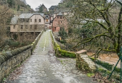 Pont sur le Dourdou, du 14s - English: Roman Bridge over Dourdou River in Conques, Aveyron, France        This place is a UNESCO World Heritage Site, listed as Pont sur le Dourdou, Conques; sous le n° 868-039.  العربية | Asturianu | Беларуская | Беларуская (тарашкевіца) | বাংলা | Català | Čeština | Dansk | Deutsch | English | Español | Euskara | فارسی | Français | עברית | Hrvatski | Magyar | Italiano | 日本語 | 한국어 | Latviešu | Македонски | മലയാളം | مازِرونی | Nederlands | Polski | Português | Русский | Slovenčina | Slovenščina | Türkçe | Українська | Tagalog | Tiếng Việt | 中文(简体) | 中文(繁體) | +/−
