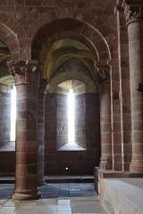 Chapelle de Perse - Intérieur de l'église Saint-Hilarian-Sainte-Foy de Perse à Espalion (12).