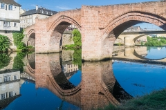 Pont-Vieux - English: Pont-Vieux in Espalion, Aveyron, France        This place is a UNESCO World Heritage Site, listed as Chemins de Saint-Jacques-de-Compostelle en France.  العربية | asturianu | беларуская | беларуская (тарашкевіца)‎ | বাংলা | català | čeština | dansk | Deutsch | English | español | euskara | فارسی | français | עברית | hrvatski | magyar | italiano | 日本語 | 한국어 | latviešu | македонски | മലയാളം | مازِرونی | Nederlands | polski | português | português do Brasil | română | русский | sicilianu | slovenčina | slovenščina | Türkçe | українська | Tiếng Việt | 中文 | 中文(中国大陆)‎ | 中文(简体)‎ | 中文(繁體)‎ | 中文(台灣)‎ | +/−