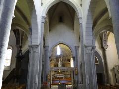 Eglise Saint-Thomas-de-Cantorbéry - Français:   Mur-de-Barrez - Église Saint-Thomas-de-Cantorbéry - Nef et transept vus de l\'entrée