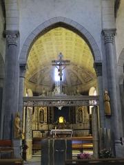 Eglise Saint-Thomas-de-Cantorbéry - Français:   Mur-de-Barrez - Église Saint-Thomas-de-Cantorbéry - Nef vue de l\'entrée