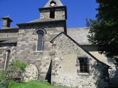 Eglise Saint-Thomas-de-Cantorbéry - Français:   Mur-de-Barrez - Église Saint-Thomas-de-Cantorbéry - Façade sud