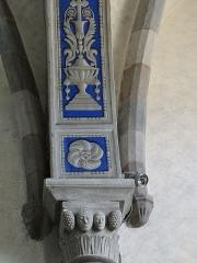 Eglise Saint-Thomas-de-Cantorbéry - Français:   Mur-de-Barrez - Église Saint-Thomas-de-Cantorbéry - Chapiteau et arc du bras sud du transept
