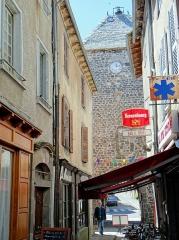 Vieille tour servant de porte de ville - Français:   Mur-de-Barrez - Tour de Monaco - Côté ville