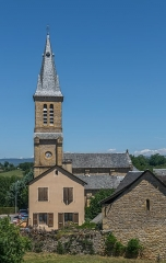 Eglise - English: View of the Saint Peter Church of Pierrefiche, Aveyron, France