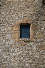 Eglise de Lagnac - English: Window of church in Lagnac, Rodelle, Aveyron, France