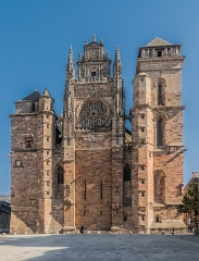 Cathédrale Notre-Dame - English: Our Lady Cathedral of Rodez, Aveyron, France        This building is classé au titre des Monuments Historiques. It is indexed in the Base Mérimée, a database of architectural heritage maintained by the French Ministry of Culture, under the reference PA00094108 .  беларуская (тарашкевіца)‎ | বাংলা | brezhoneg | català | Deutsch | Ελληνικά | English | Esperanto | español | euskara | suomi | français | magyar | italiano | 日本語 | македонски | Nederlands | português | português do Brasil | română | русский | sicilianu | svenska | українська | العربيَّة | +/−