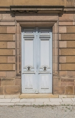 Ancien évêché - English: Door in the former bishopric in Rodez, Aveyron, France