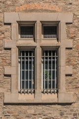 Ancien évêché - English: Windows in the former bishopric in Rodez, Aveyron, France