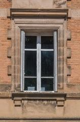 Ancien évêché - English: Window in the former bishopric in Rodez, Aveyron, France