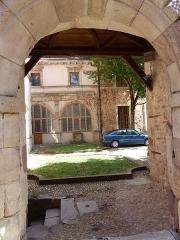 Maison - This building is indexed in the Base Mérimée, a database of architectural heritage maintained by the French Ministry of Culture,under the reference PA00094125 .