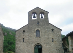 Eglise Notre-Dame-des-Treilles - This building is indexed in the Base Mérimée, a database of architectural heritage maintained by the French Ministry of Culture,under the reference PA00094134 .