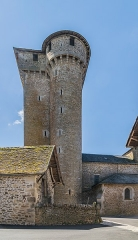 Eglise - English: Keep-bell tower of the church of Sainte-Croix, Aveyron, France