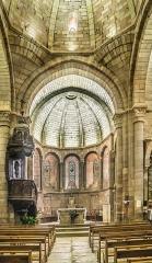 Eglise Saint-Saturnin - English: Interior of the Saint Saturnin Church of Saint-Saturnin-de-Lenne, Aveyron, France