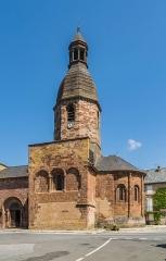 Eglise Saint-Saturnin - English: Saint Saturnin Church of Saint-Saturnin-de-Lenne, Aveyron, France