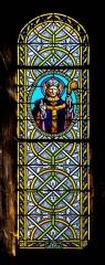 Eglise Saint-Saturnin - English: Stained-glass window of the Saint Saturnin Church of Saint-Saturnin-de-Lenne, Aveyron, France