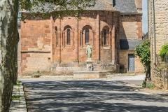 Eglise Saint-Saturnin - English: View of the Saint Saturnin Church of Saint-Saturnin-de-Lenne from the main street, Aveyron, France