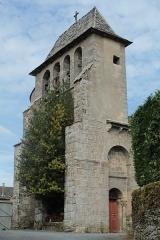 Eglise de Saint-Etienne de Viauresque - Français:   Photo de la façade de l\'église de St Etienne de Viauresque