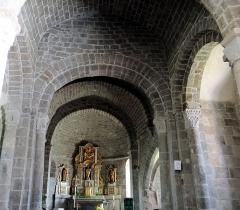 Eglise Notre-Dame - Français:   Thérondels - Église Notre-Dame - Nef principale
