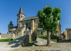 Eglise du Saint-Sépulcre - English: Church of the Holy Sepulchre of Villeneuve, Aveyron, France