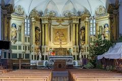 Eglise - English:  Church of Mary Magdalene of Pibrac,  Haute-Garonne France –  Altarpiece, 6 statues, bas-relief (paneling) gilded wood, eighteenth century